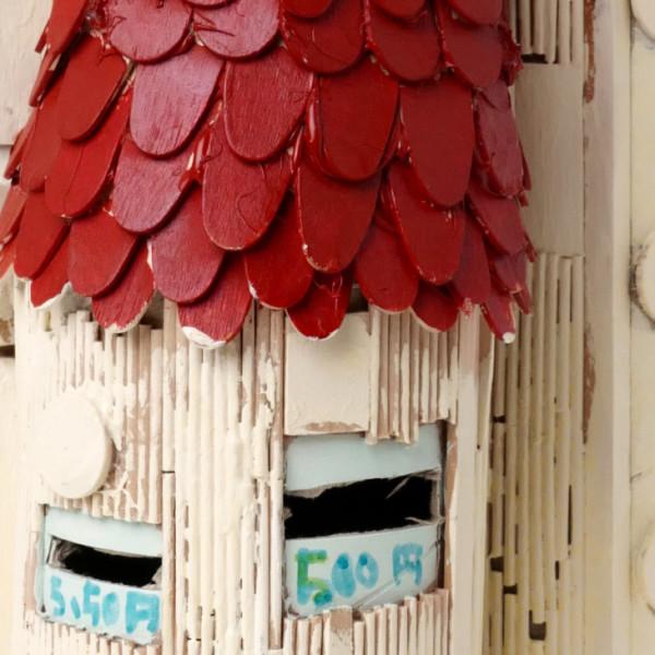 アイスの棒で出来た貯金箱(アイスノボウデデキタチョキンバコ)